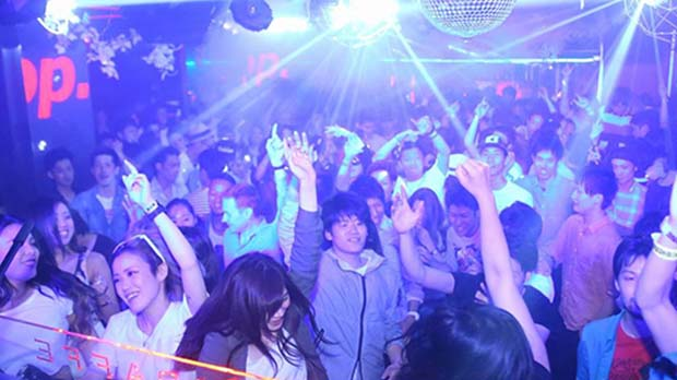 Nightlife in Osaka-Giraffe Osaka Nightclub(1)