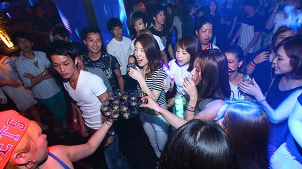 Nightlife in Osaka-Giraffe Osaka Nightclub(5)